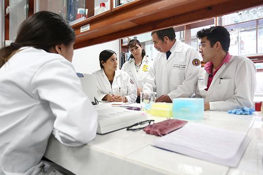 imagen-laboratorio-de-inmunologia-y-virologia-3